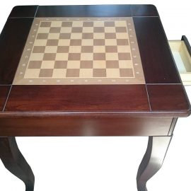 Šachový stolík